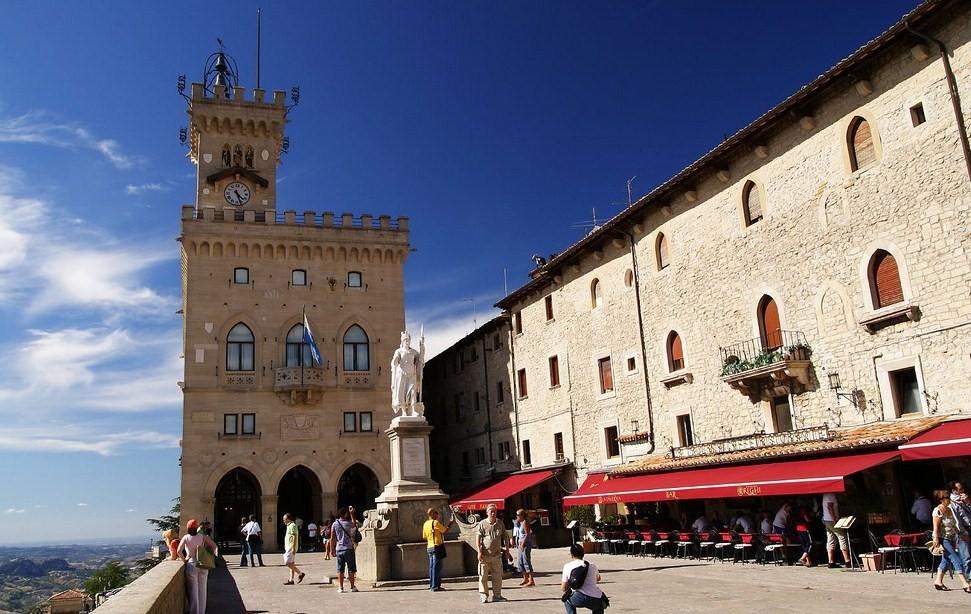 San Marino central square the oldest country in the world fortress tourist destinations