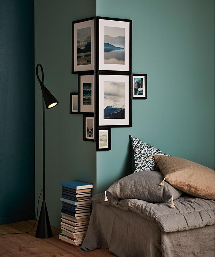 Unique photo wall idea corner photography