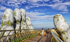 Vientam-what-to-see-Vietnam-Hand-Bridge