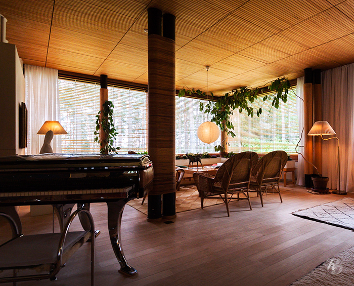 Mid Century Modern Villa Lobby Piano Home Interior