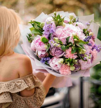 Why You Should Have Flowers At Home