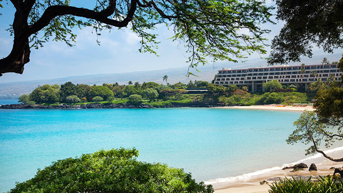 top hawaii resorts Mauna Kea Beach Hotel white sandy beach clear water