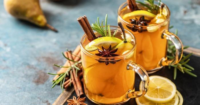 cinnamon cocktails and cinnamon stick annaise and lemon