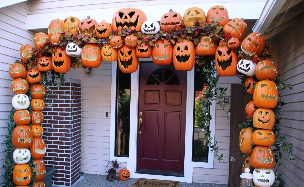 scary jack-o'lanterns giant archway front porch Halloween decor