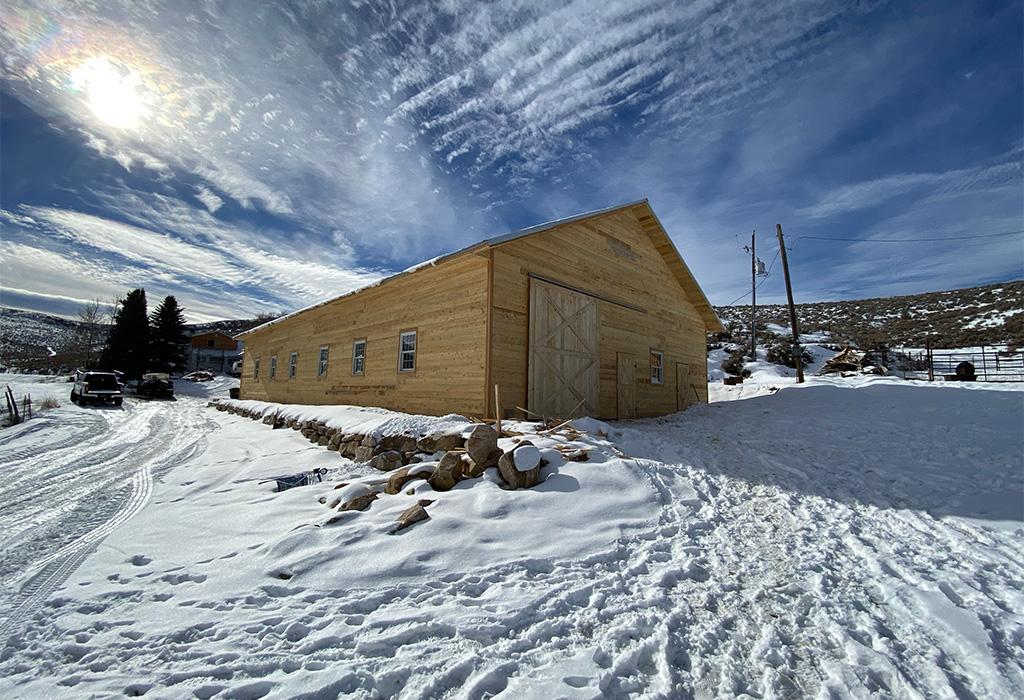 wood_postframe_barn