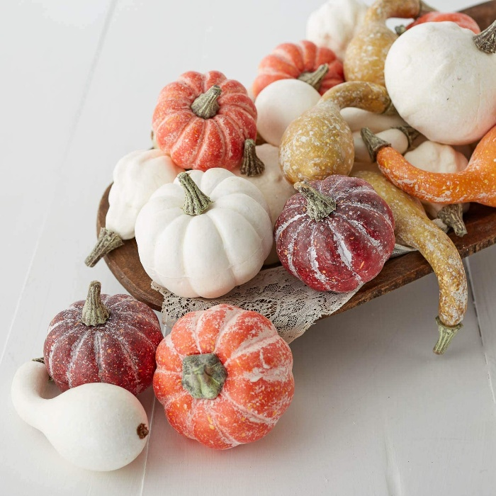 mini pumpkins decoration centerpiece in white orange and red