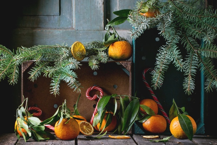 christmas decoration with oranges and tangerines