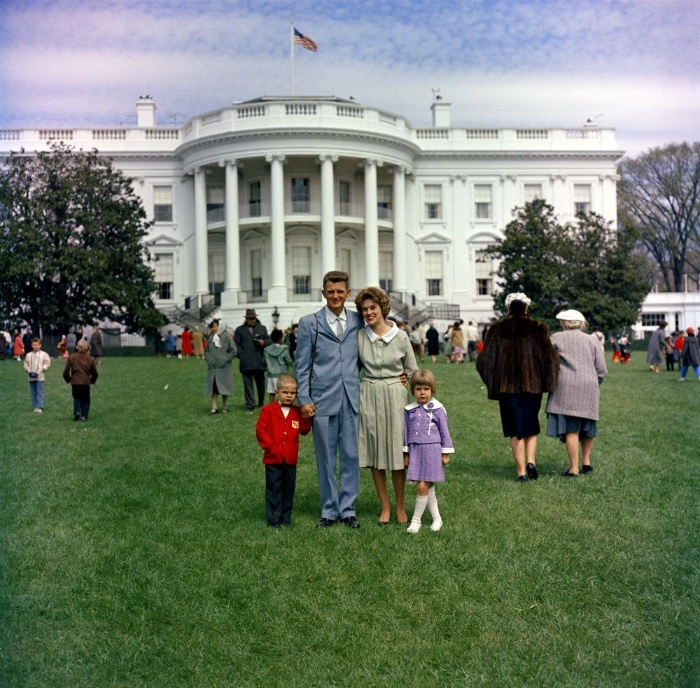 egg roll traditions in the white house family of four retro photography