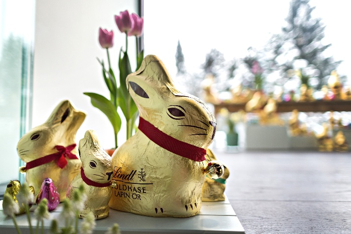 Lindt traditional easter bunnies with red ribbons