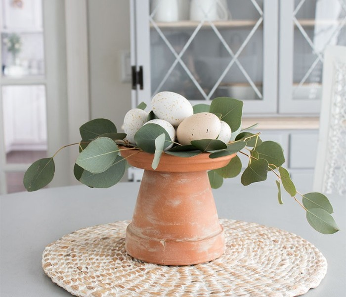 simple table centerpiece