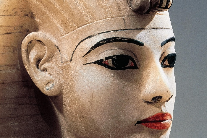 ancient egypt beauty standards close up egyptian statue