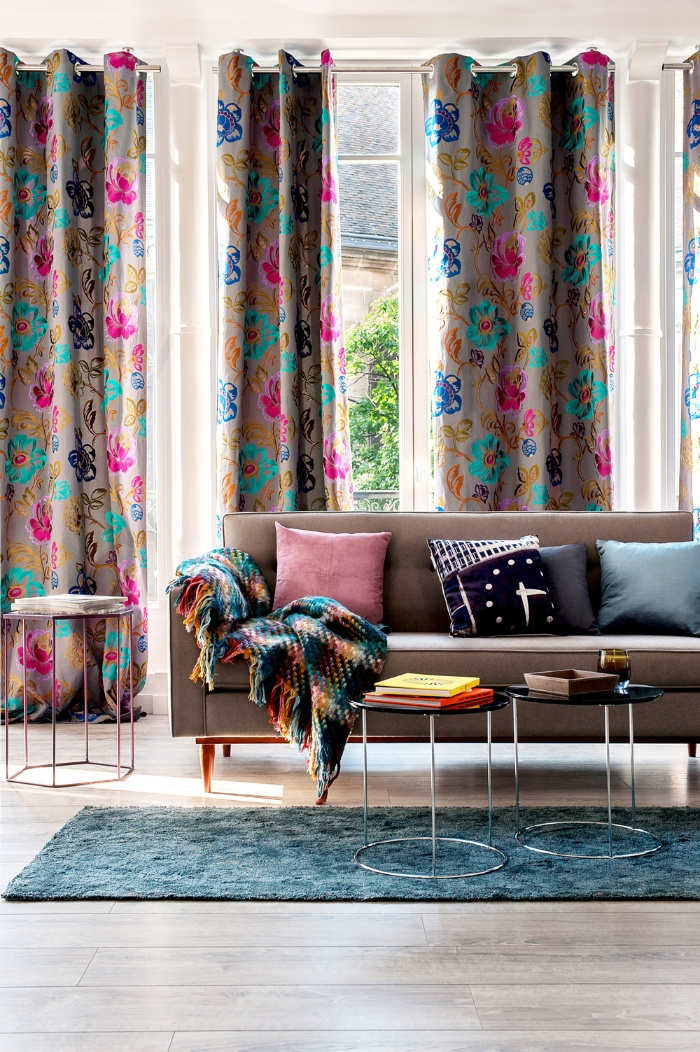 living room decor floral curtains beige sofa interior design cushions