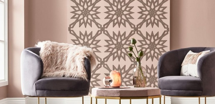 rose interior with grey charis and decorative pieces