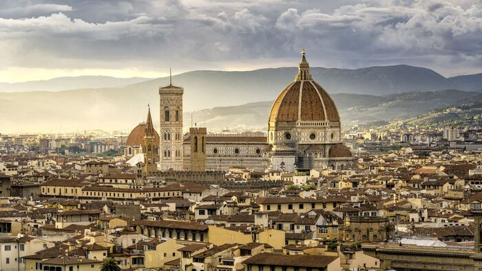 Picture of Florence with the Duomo in the middle and a light mist landscape photography